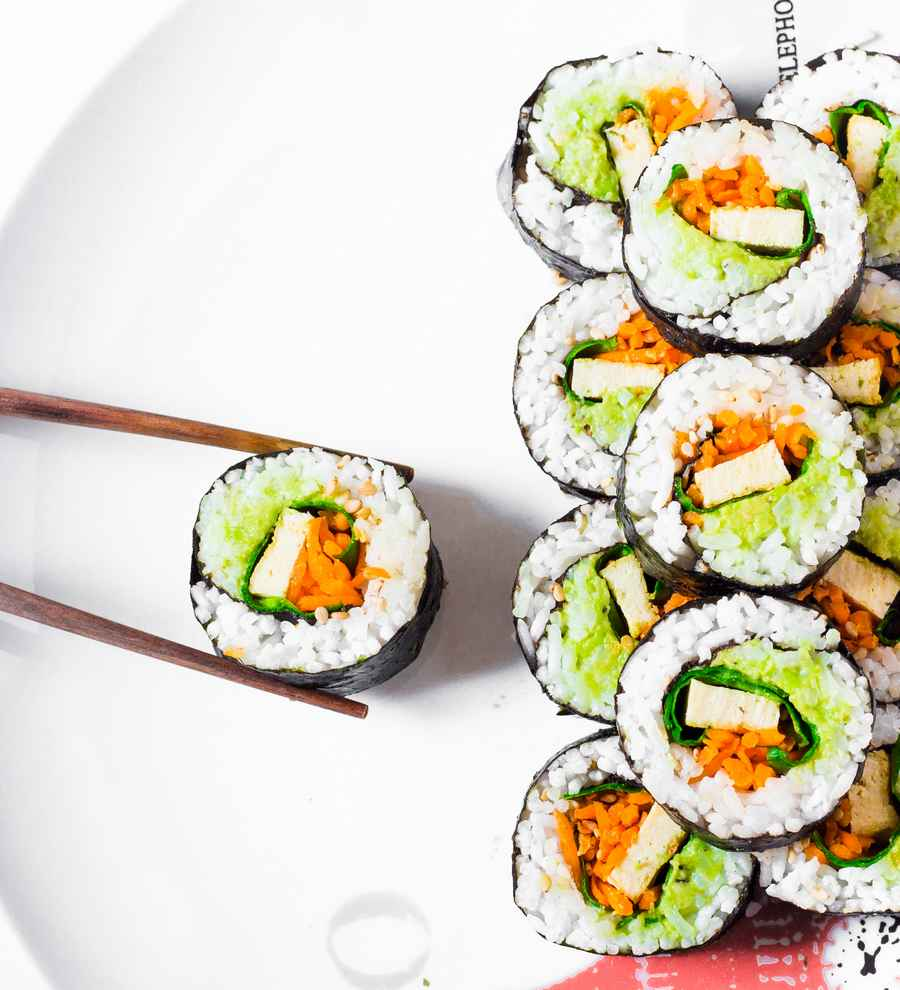 Recipe for a sushi roll with guacamole, tofu, and lots of veggies