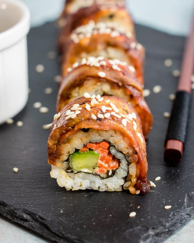 Recipe for vegan eggplant dragon roll