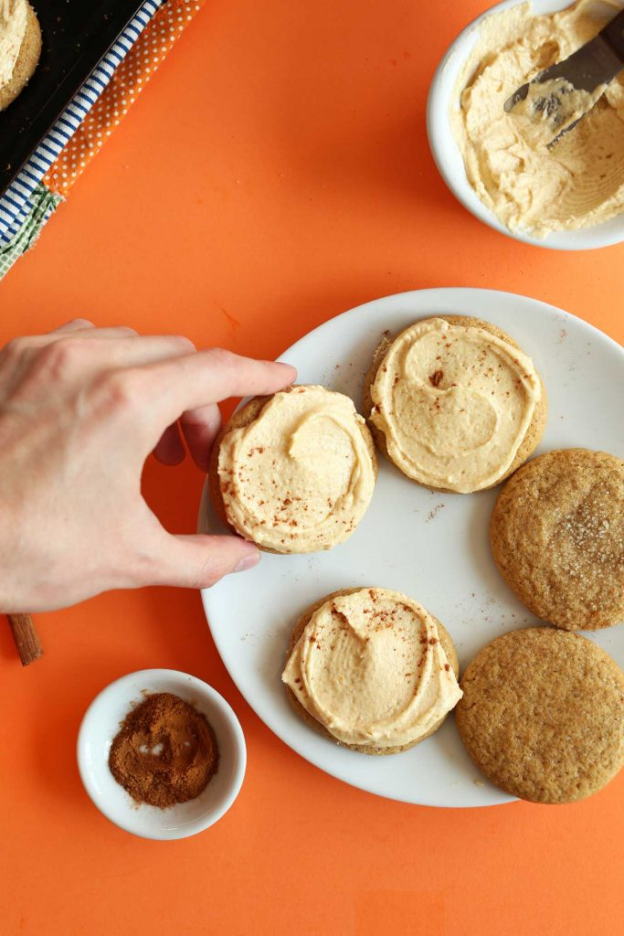 Recipe for vegan pumpkin sugar cookies