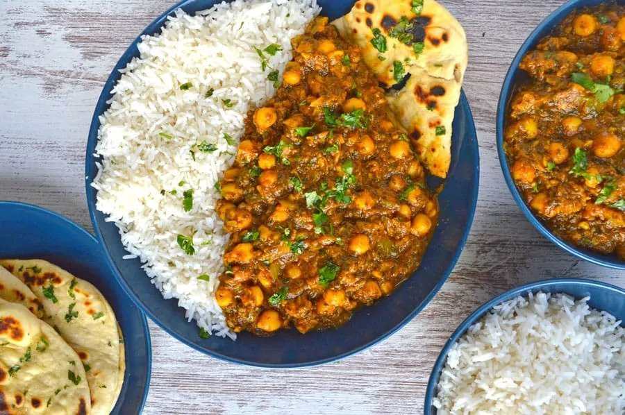 Recipe for vegan chickpea spinach curry