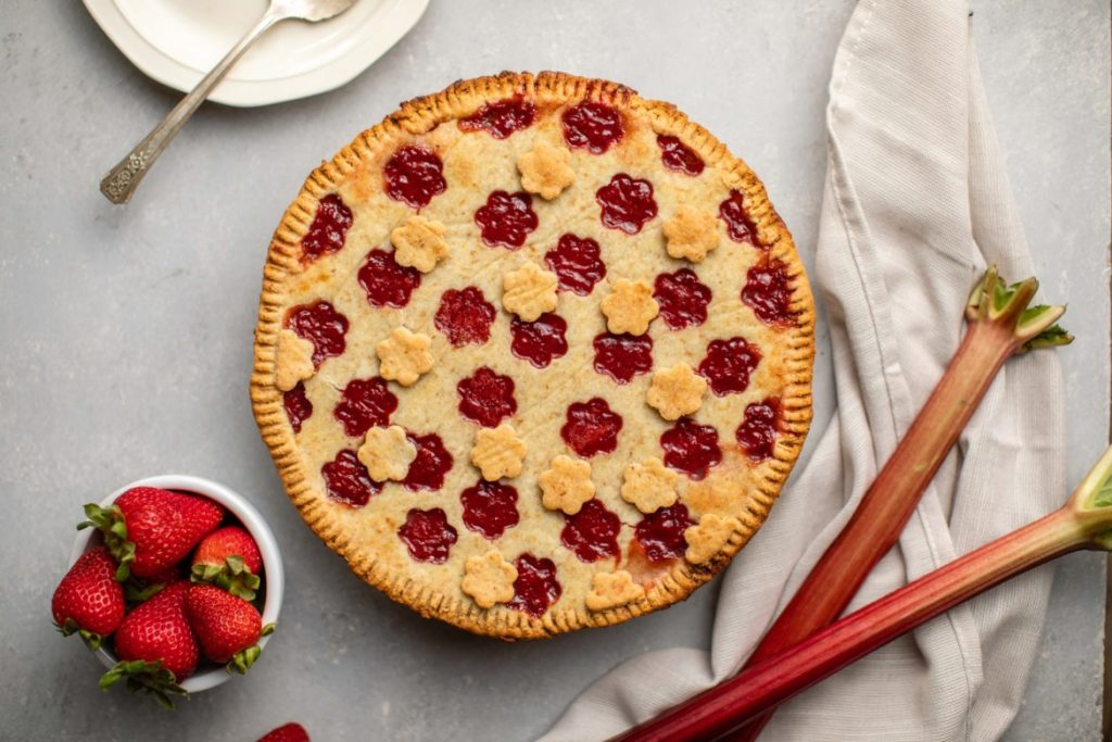 recipe for vegan Strawberry Rhubarb Pie