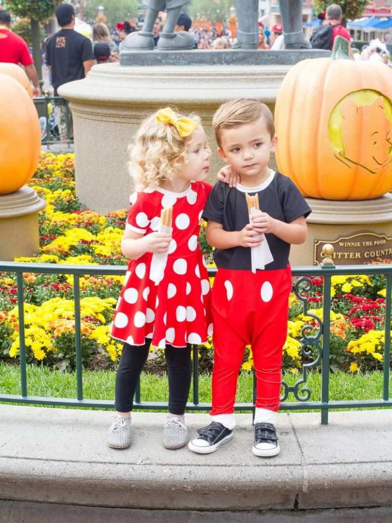 Halloween costumes for twins featuring Minnie and Mickey Mouse