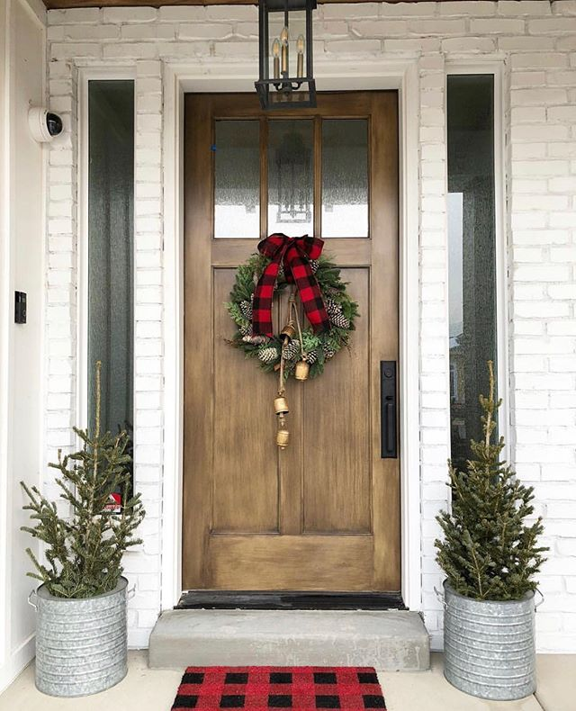 Simple Christmas Porch